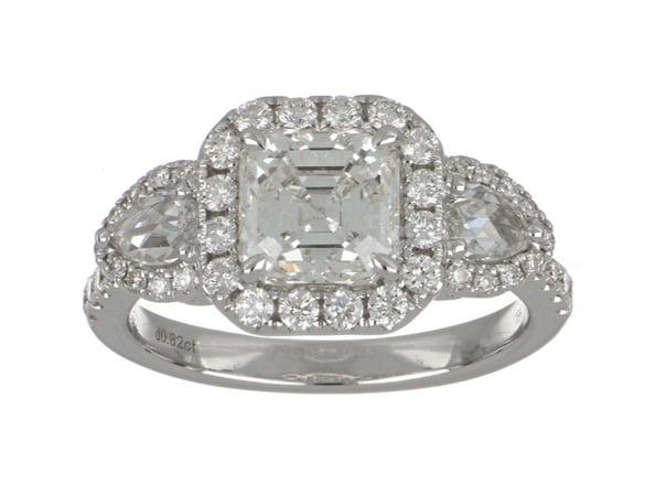 White Diamond Ladies Ring (White Diamond 2.01 cts. White Diamond 0.53 cts. White Diamond 0.29 cts.)
