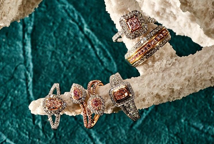 diamonds_large-collection-bucket-744x500-pink_6655dd5d-008e-4605-84fd-12d160060665